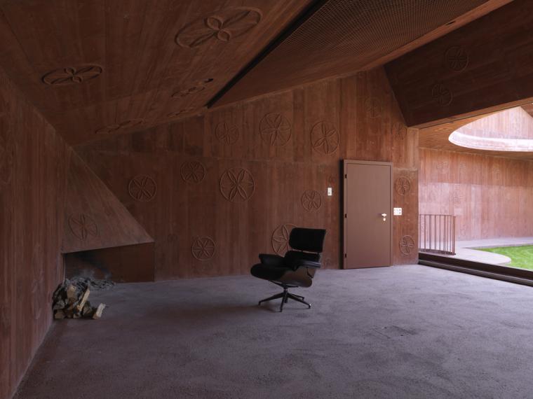 瑞士谷仓中的冥想建筑-5