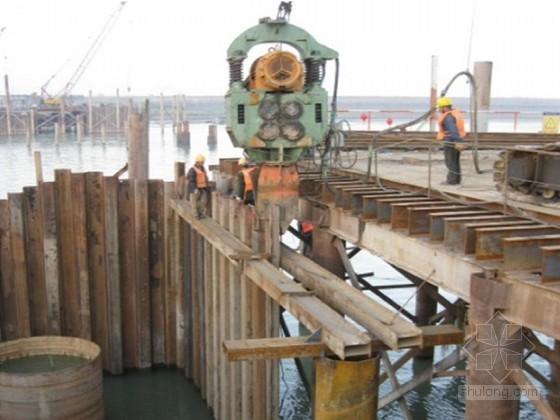 iv型钢板桩施工方案资料下载-自锚式悬索桥主墩浅覆盖层钢板桩围堰施工技术