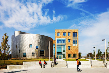 马里兰大学巴尔的摩分校表演艺术与人文教学楼