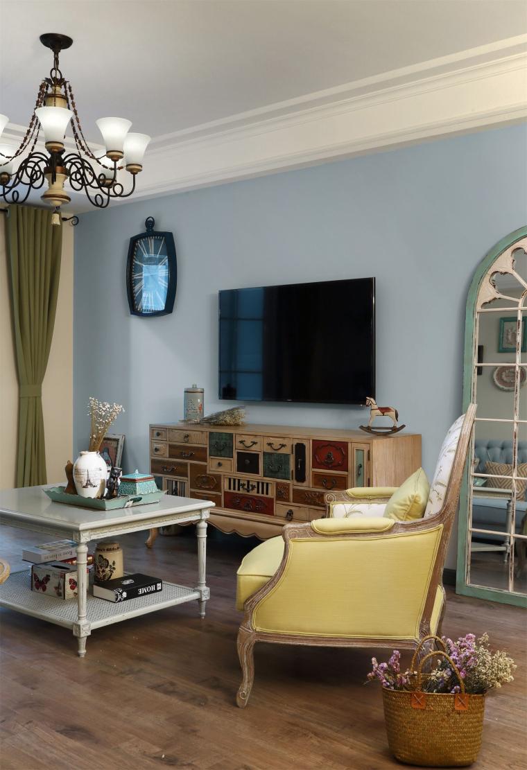 透着闲碎时光的公寓室内实景图 (3)