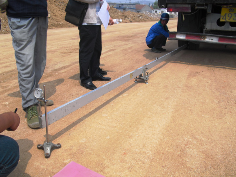 提高深膨胀土路基换填的施工效率_1