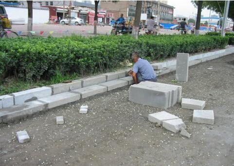 市政道路缘石安砌的质量通病及防治措施