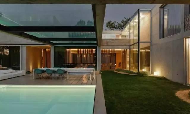 把屋顶设计成空中泳池,只有鬼才,才敢如此设计!_39