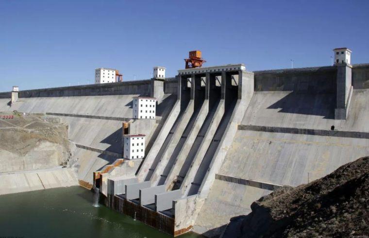 探析水利工程中的大坝施工测量_2