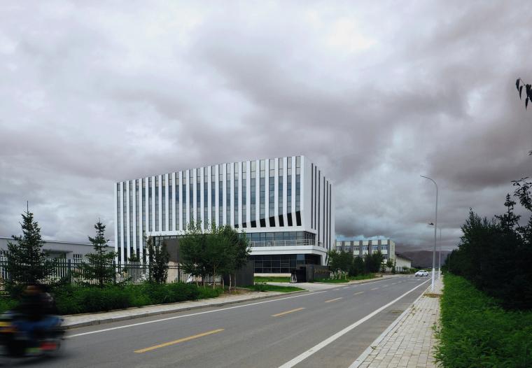 内蒙古林西弘宇制造公司办公楼-3