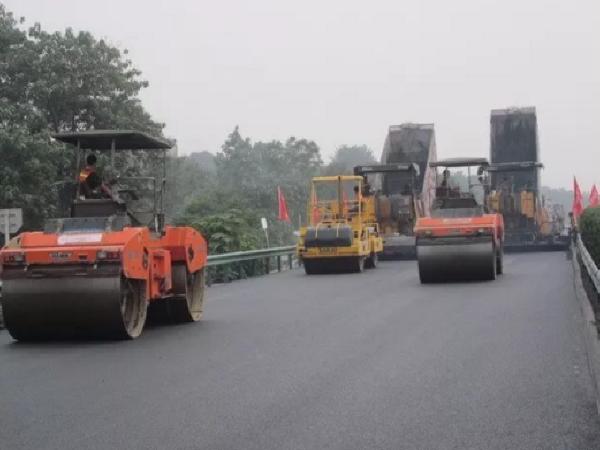 公路路面施工中的常见问题及处理措施
