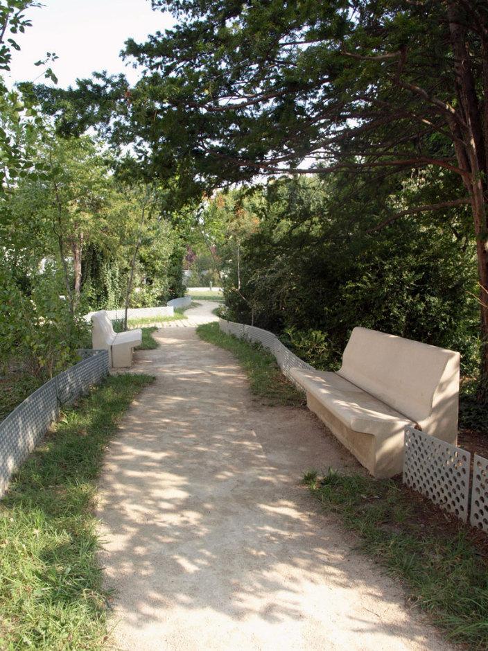 住宅区中的私人花园景观实景图 (6)