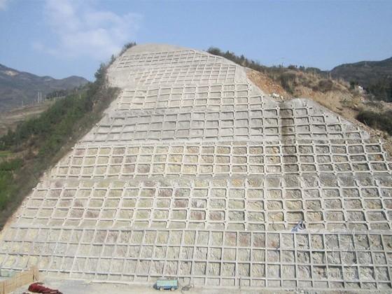 [浙江]高速公路路基工程石质高边坡施工方案65页(图表丰富 开挖高度超30m)