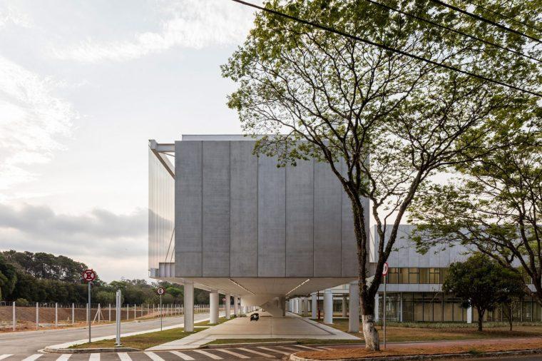 航空技术研究院校园的科学大楼