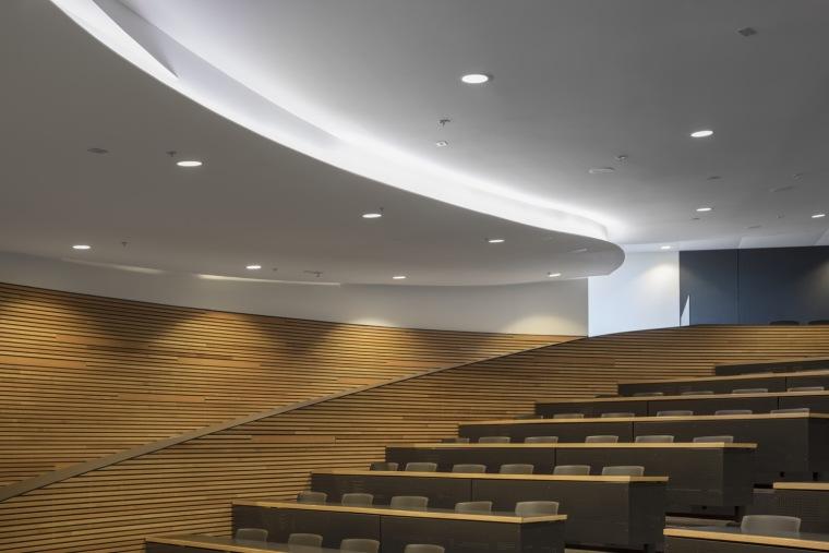 劳里埃大学拉扎里迪斯大楼内部实景图 (5)