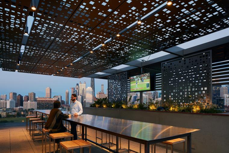 美国600WestChicago屋顶花园-美国600 West Chicago屋顶花园实景图 (4)