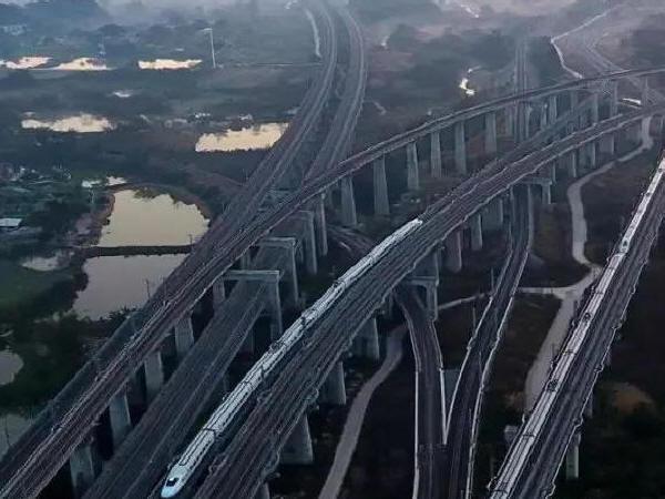 超级高铁设想下的桥梁展望