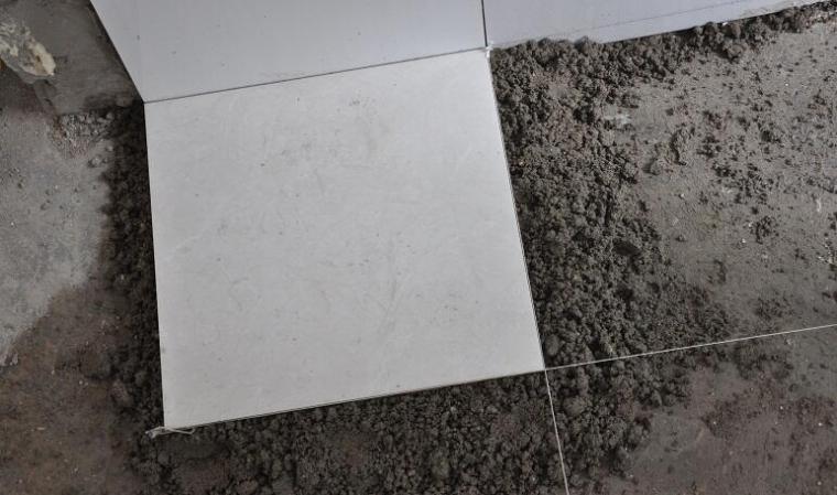 瓷砖常见的两种铺贴方法