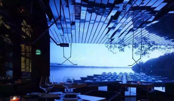 国内外一些充满亮点的以互动投影为创意的餐厅图片