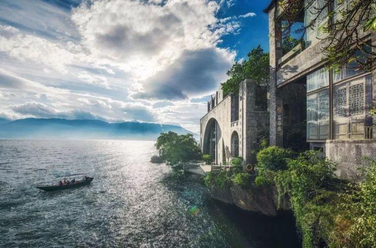 杨丽萍洱海边两处豪宅,美哭了....._13