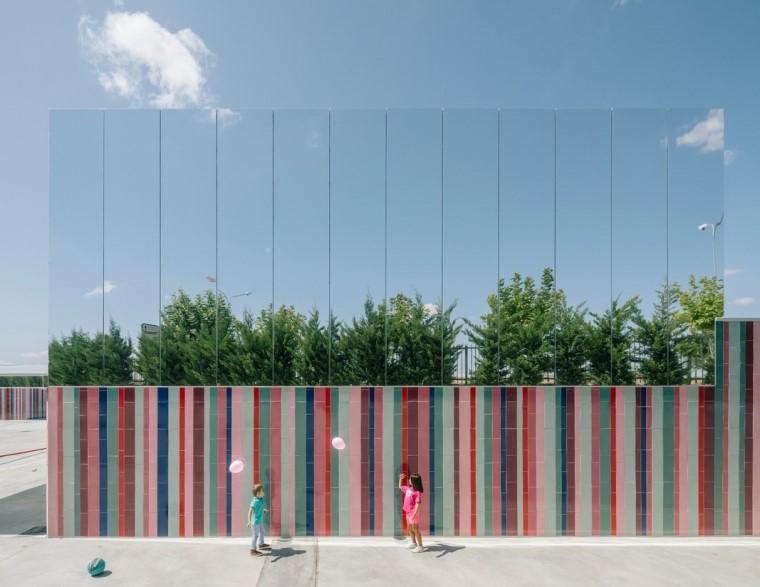 U形玻璃幕墙资料下载-20套学校建筑设计方案文本|教育空间,伴步成长