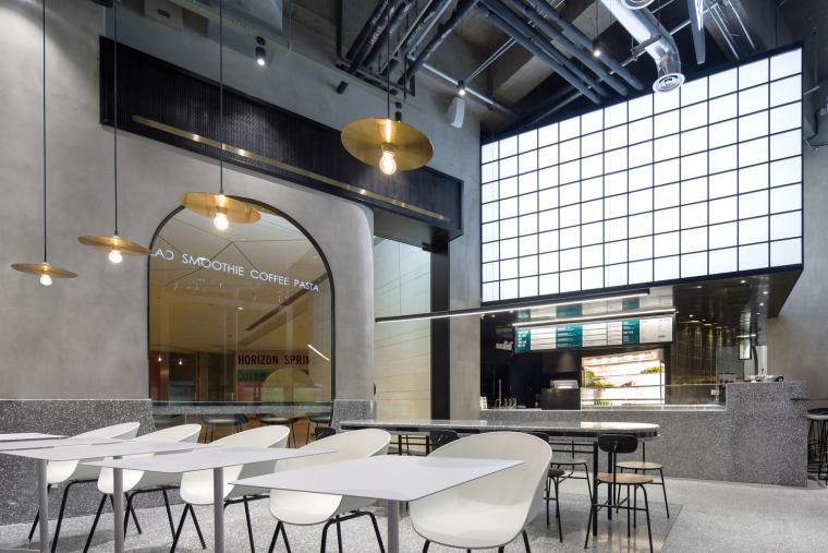 武汉逆时针旋转的盒里轻食餐厅室内实景图 (4)