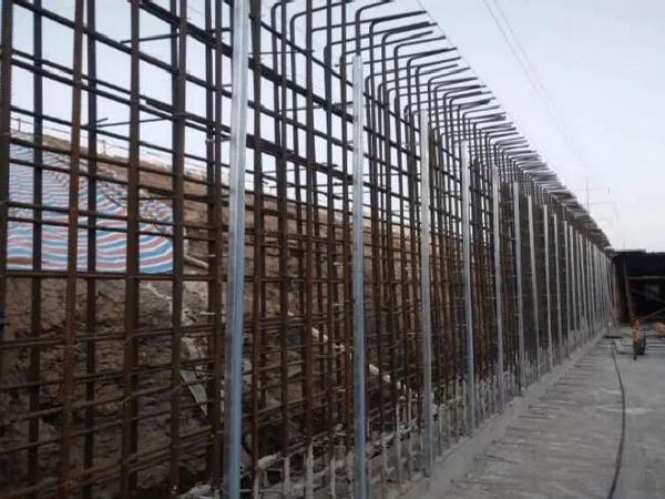 u型槽侧墙模板方案资料下载-管廊建设:传统和槽式预埋件施工流程对比