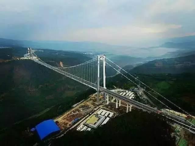 """""""亚洲第一大桥""""通车了,美国专家惊呆了!云雾浩渺,太壮观了_10"""