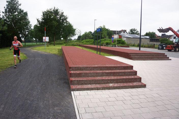 SintDenijs旧车站广场改造