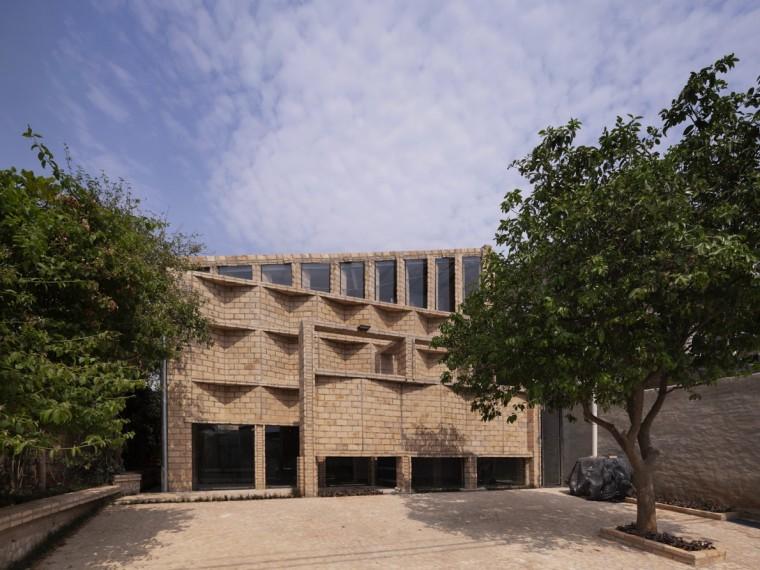 巴拉圭多样化砖表皮办公楼