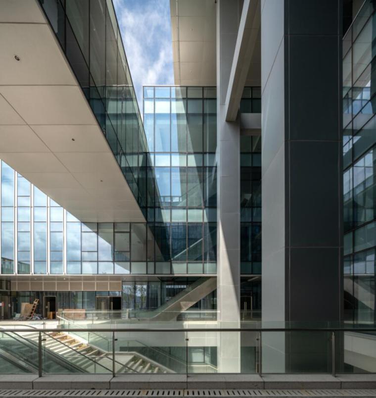珠海天圆地方概念的医药科技产业园总部大楼-9
