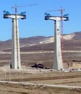 路灯电施工�_[分享]这些桥梁高墩施工技术你都了解么?