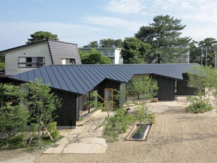 日本L形墙的住宅