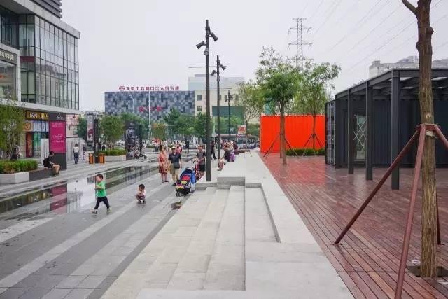一个单词产生的设计灵感,结果火了北京的商业广场~_38