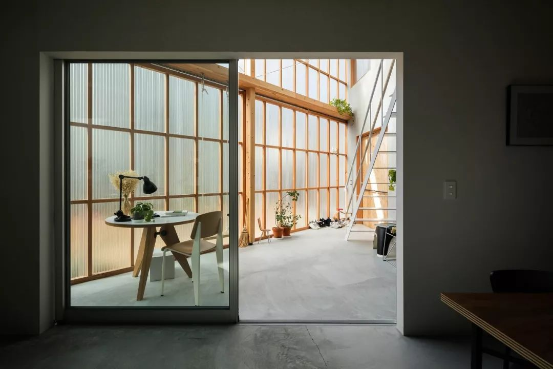 这些日本房子看着很简陋,但空间布局令人咋舌!_11