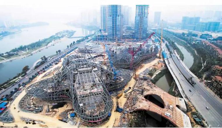 扎哈在中国的遗作终于完成,耗资28亿,施工难度堪比鸟巢_28