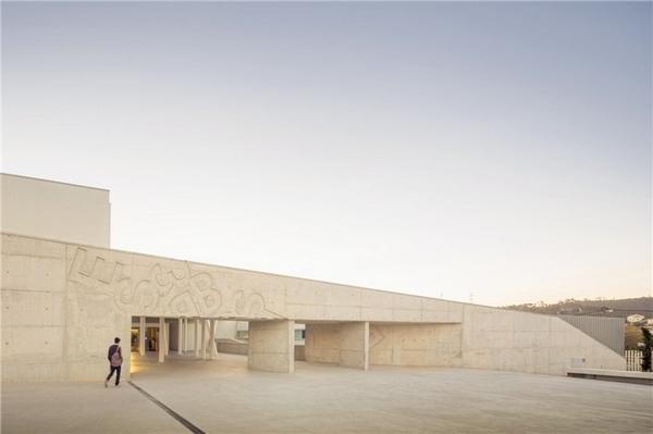 葡萄牙:Caneças高中第1张图片