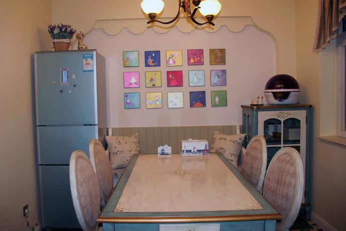 三室两厅地中海餐厅背景墙装修效果图