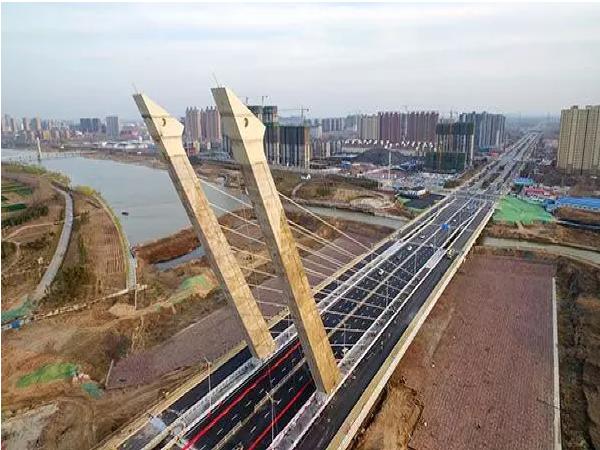 亚洲最宽的无背索斜塔斜拉桥未验收便通车,4个月就大面积破损