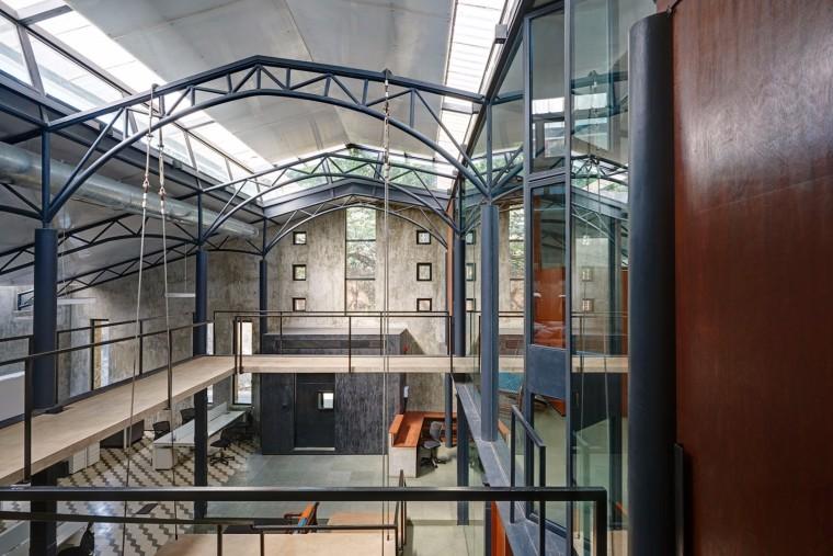 仓库改造后的办公室——悬浮于建筑中心的混凝土楼梯-1522677814799825.jpg
