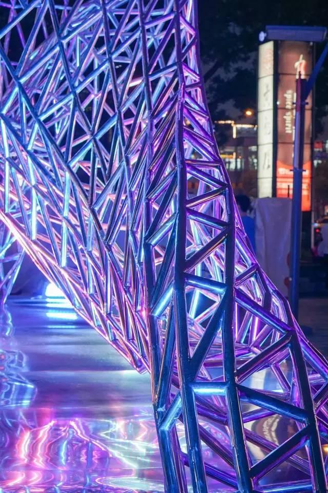 一个单词产生的设计灵感,结果火了北京的商业广场~_64