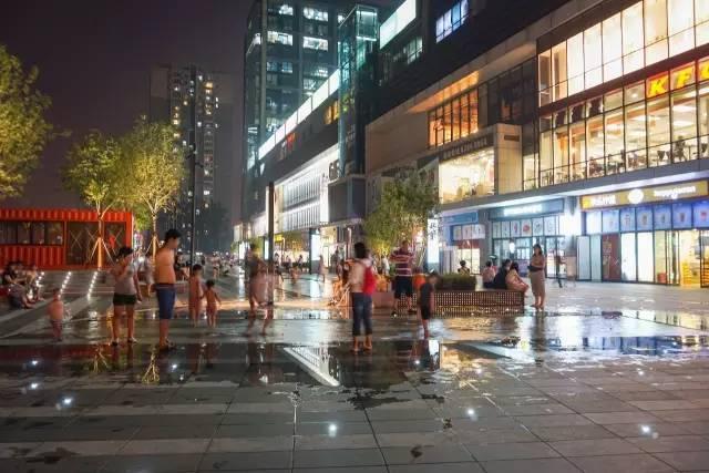 一个单词产生的设计灵感,结果火了北京的商业广场~_53