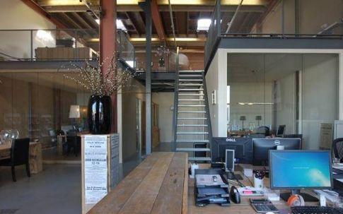 工业风格的雅新办公室装修你会喜欢吗?
