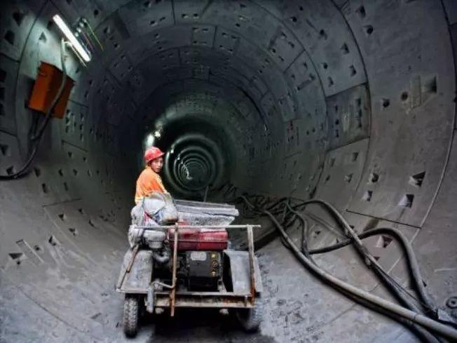 地铁隧道施工过程中施工风险与控制_1