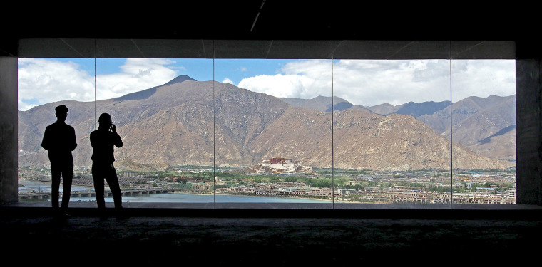 022-tibet-intangible-cultural-heritage-museum-by-shenzhen-huahui-design-co-ltd
