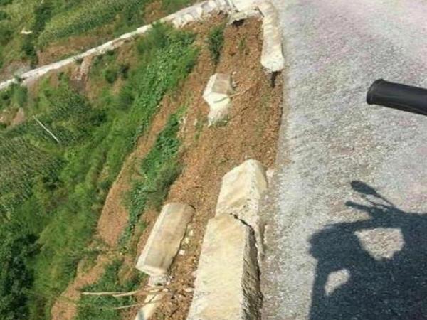云南一公路被指豆腐渣工程!官方:实体工程质量合格_3