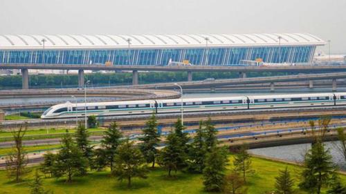 中国磁悬浮时代悄然来临,多地投建造价仅为地铁三分之一_1