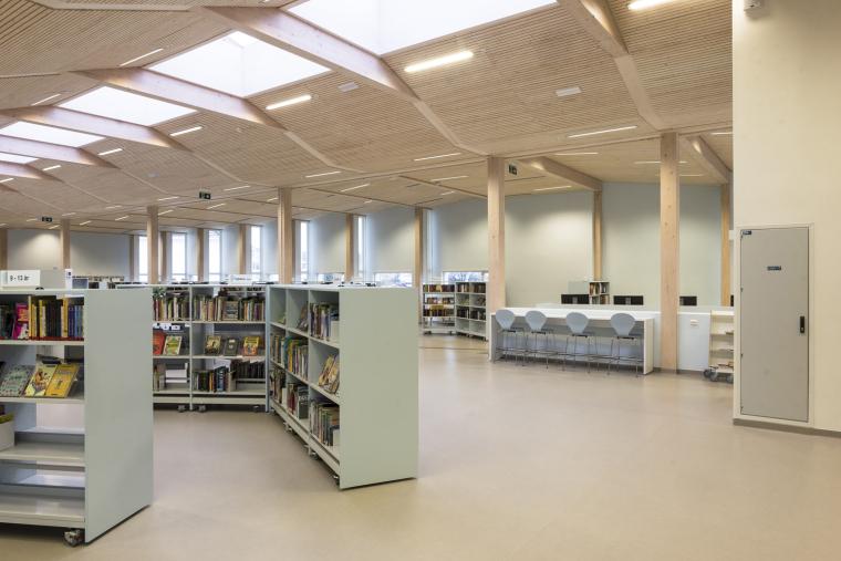 挪威格里姆斯塔德图书馆-6
