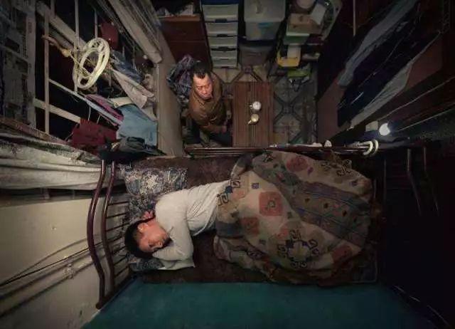 """没见过香港的""""棺材房""""都不知道我们住得多幸福_11"""