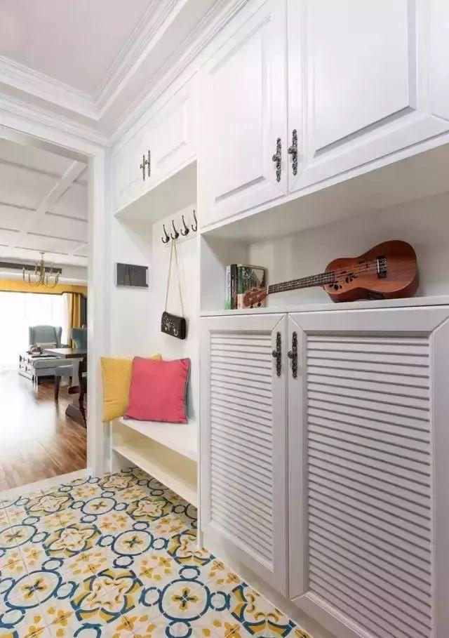 用小花砖装饰玄关、厨房、卫生间,美出新高度!
