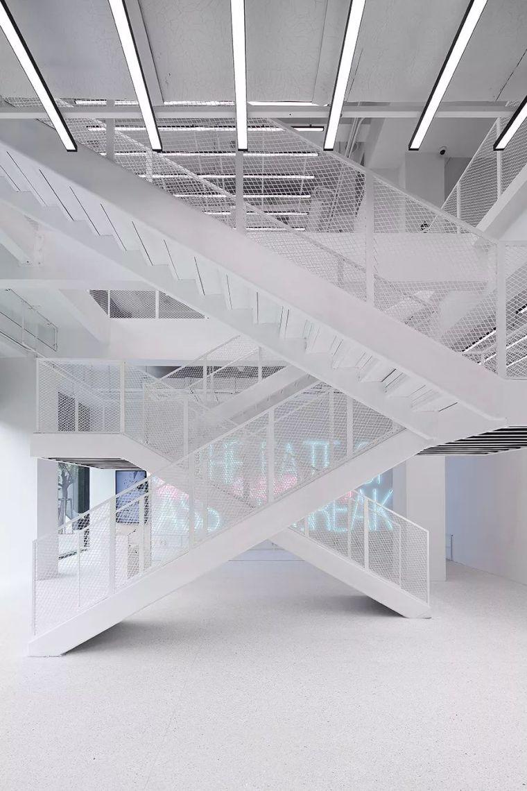 """颠覆玻璃传统印象,上海玻璃博物馆""""破碎""""特展惊艳亮相!"""