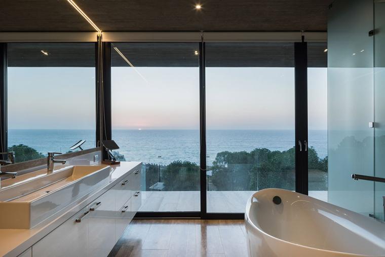 太平洋海岸边的粗犷住宅内部实景图 (15)
