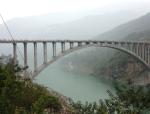 [QC成果]170m跨拱型箱梁单肋合拢吊装质量的控制