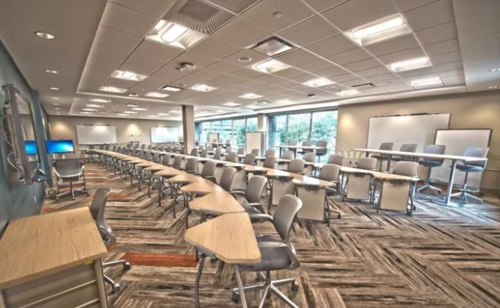 大型中学用电负荷及配电系统研究