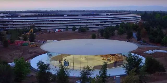 """苹果最新米兰旗舰店设计,被誉为""""欧洲最美苹果店""""_40"""